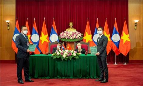 VinFast mang ô tô Việt lăn bánh trên đất nước triệu voi