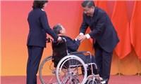 Ông Tập Cận Bình trao huân chương cho người xây dựng trái phép ở Trường Sa