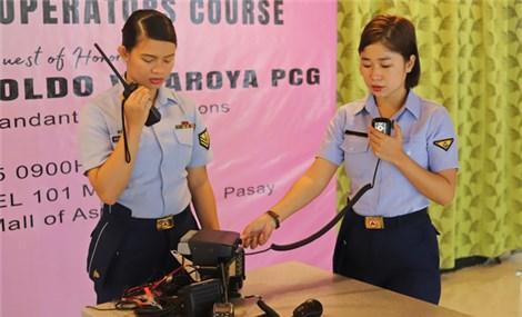 Để tránh đối đầu, Philippines xua đuổi tàu Trung Quốc bằng... giọng nữ