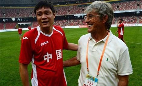 Huyền thoại bóng đá Trung Quốc chỉ ra điểm yếu của đội tuyển Việt Nam