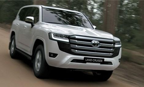 Toyota Land Cruiser 2022 chính thức ra mắt khách hàng Việt, ngập tràn trang bị
