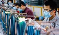 ADB hạ dự báo tăng trưởng Việt Nam xuống 5,8% năm 2021