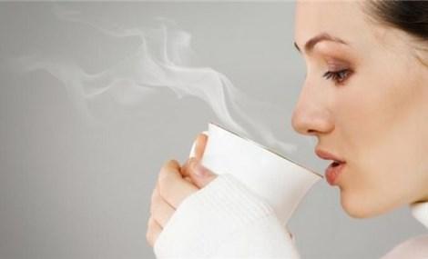 Mùa Hè hãy uống nước ấm để cảm nhận 7 lợi ích, đặc biệt với làn da
