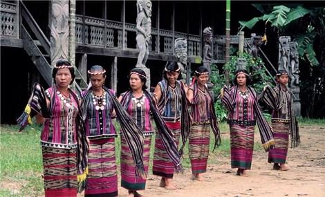 Dayak- tộc người bản địa trên đảo Borneo