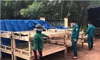 Đồng bào S'tiêng làm giường tre tặng khu cách ly phòng, chống dịch