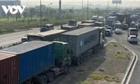 Gỡ khó cho doanh nghiệp vận tải hàng hóa