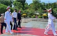Tùy viên Quốc phòng Hoa Kỳ tưởng niệm những người Việt Nam hy sinh vì Tổ quốc