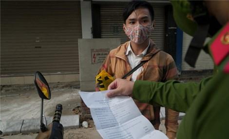 Hà Nội quy định mẫu giấy tờ cho các trường hợp được lưu thông trong giãn cách xã hội
