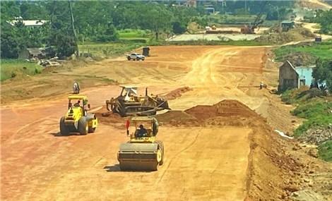 Ký hợp đồng BOT cao tốc Bắc Nam đoạn Cam Lâm – Vĩnh Hảo trị giá hơn 8.900 tỷ đồng