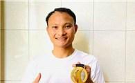 Trọng Hoàng tặng HC vàng SEA Games gây quỹ chống Covid-19