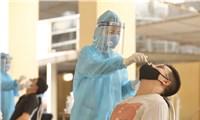 Hà Nội ra thông báo khẩn: Người ho, sốt, khó thở cần gọi ngay y tế