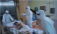 """Nơi bác sĩ chiến đấu với""""tử thần"""" giành lại sự sống cho bệnh nhân COVID-19"""