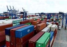 Tổng cục Hải quan đồngý cho chuyển hàng tồn đọng tại cảng Cát Lái đi nơi khác