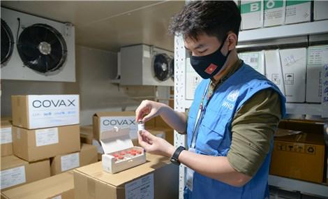 Gần 1,2 triệu liều vắc xin Covid-19 từ hỗ trợ của Covax về đến Việt Nam