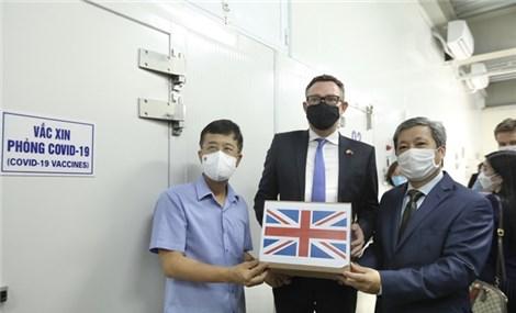 Chính phủ Vương quốc Anh tặng Việt Nam 415.000 liều vắc xin COVID-19