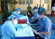 TP Hồ Chí Minh: Hỗ trợ đặt lịch hẹn lại cho người buộc phải trì hoãn tiêm vaccine phòng COVID-19