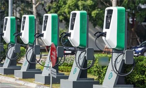 Giảm phí trước bạ ô tô điện bằng 50% xe xăng?