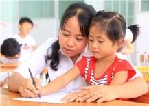 Linh hoạt thích ứng với dịch Covid-19: Giúp trẻ tìm niềm vui và hoạt động bổích