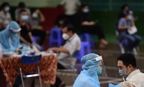Tiêm vắc xin Covid-19, người dân nhận chứng thực điện tử sau 60 phút