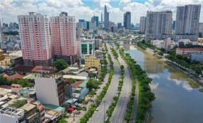 HCMC extends social distancing until Sept 15 to contain COVID-19 spread