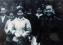 """NSUT Vũ Kim Dung, tiếng thơ""""binh vận"""" làm mềm nhiều con tim mà đầy""""chất thép"""" khi ngâm thơ Bác"""