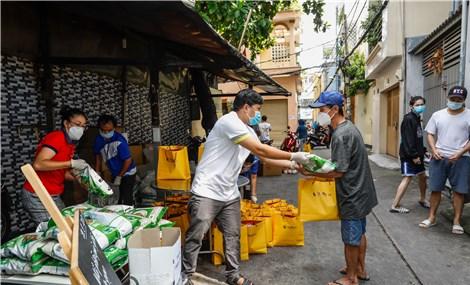 Tập đoàn T&T gửi tặng 100.000 suất quà cho người dân TP.HCM đang gặp khó khăn vì dịch Covid-19