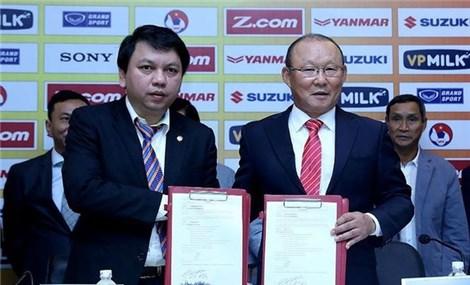 """VFF phản ứng trước tin đồn Thái Lan chi tiền """"khủng"""" mời HLV Park Hang Seo"""