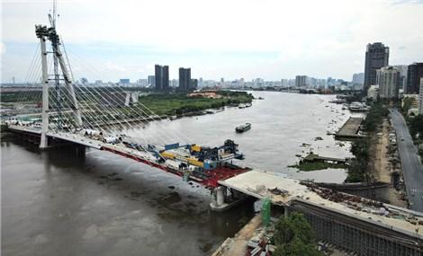 Thành phố Hồ Chí Minh: Cầu Thủ Thiêm 2 chính thức hợp long