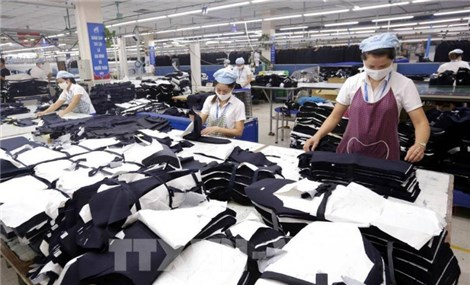 Doanh nghiệp dệt may có thể bị phạt hàng trăm tỷ đồng nếu chậm giao hàng
