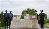 Tiếp nhận'quà' chống dịch Covid-19 của lực lượng Hiến binh Campuchia