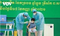 Hôm nay Campuchia chính thức tiêm vaccine Covid-19 cho trẻ từ 6-12 tuổi