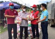 Quảng Ngãi tặng quà Trung Thu cho trẻ em tại khu vực phong tỏa