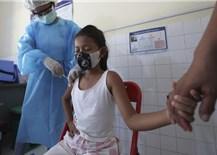 Campuchia đã tiêm vaccine COVID-19 cho 89% thiếu niên