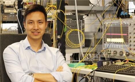 Kỹ sư Việt dùng cáp quang biển dự báo sóng thần