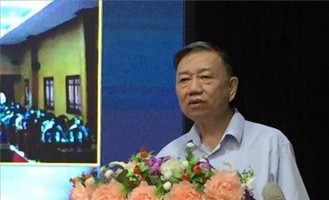 Đại tướng Tô Lâm và đoàn đại biểu Quốc hội tỉnh Hưng Yên tiếp xúc cử tri