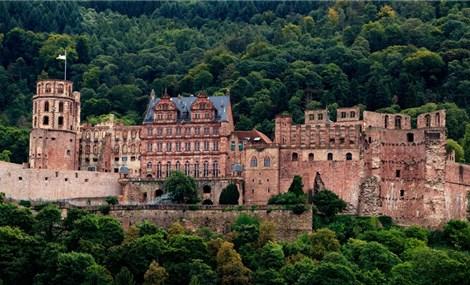 Tàn tích thời Phục Hưng của lâu đài 2 lần bị sét đánh