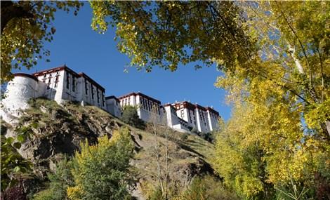 Những ngày tháng 10 trên đất Tây Tạng