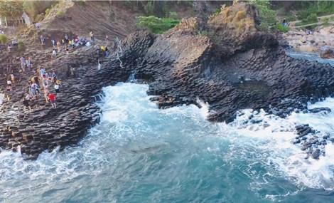 Ghềnh Đá Đĩa Phú Yên tuyệt tác của thiên nhiên