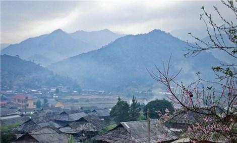Độc đáo những nếp nhà gỗ Pơ Mu hàng trăm năm tuổi ở Tà Xùa Sơn La