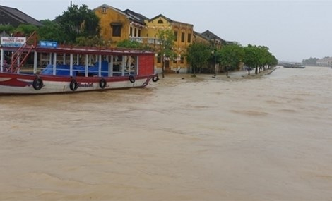 Mưa lũ khiến 6 người chết và mất tích ở Hòa Bình, Nghệ An, Quảng Bình, Quảng Trị