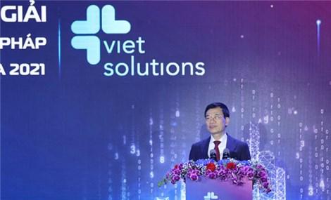 Bộ trưởng Nguyễn Mạnh Hùng phát biểu tại Lễ trao giải Viet Solutions 2021