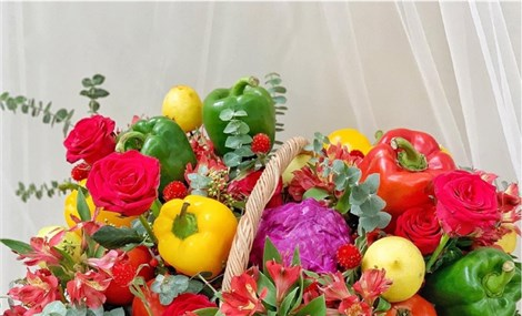 Bó hoa rau củ giá hơn hút khách ngày lễ 20/10