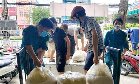 Gần 218.000 người ở Cà Mau cần được hỗ trợ lương thực
