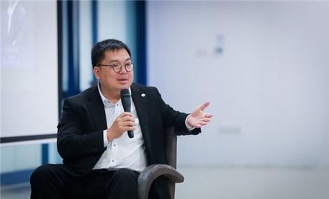 Chuyên gia Hoàng Nam Tiến: 'Ứng dụng công nghệ để trở thành doanh nghiệp xanh'