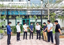 The trusted teacher of foreign architecture students in Viet Nam